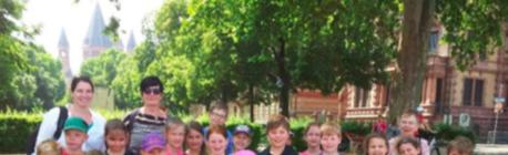 Kommunionkinder im Hohen Dom zu Mainz