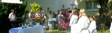 Open-Air-Gottesdienst im Pfarrgarten der Hl.-Kreuz- Kirche