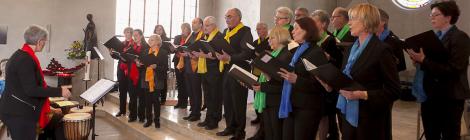 Fröhliches Konzert des Chors Sing&Praise